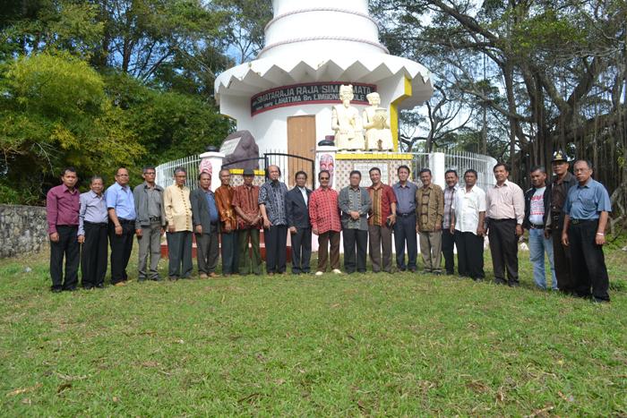 Safari Tahun Baru Tim Survei dan Audensi Rombongan Pomparan Ompu Simataraja Raja Simarmata ke Pemkab Samosir