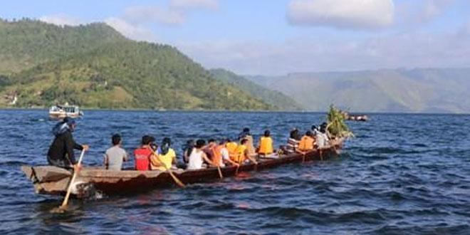 Speedboat Tabrak Solu di Danau Toba, 2 Luka Berat