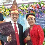 Ketua Umum Terpilih Kolonel Nasib Simarmata SH MSi didampingi istri Br. Ambarita