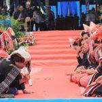 MANORTOR - Salah satu budaya Simalungun yakni tarian Toping-toping Hoda-hoda ikut menyemarakkan pembukaan Pesta Danau Toba tahun lalu di Open Stage Parapat tahun lalu. Sementara pengurus Partuha Maujana, tahun ini mengusulkan pesta budaya kembali dilakukan di Danau Toba. | Metrosiantar.com