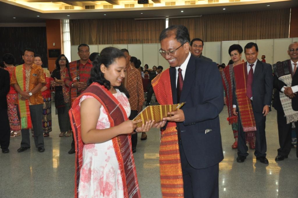 Haul ke-5 Punguan Ompu Dosiraja Simarmata Dohot Boruna Sejabodetabek, Pengurus Tuan Bodil Berikan Penghargaan