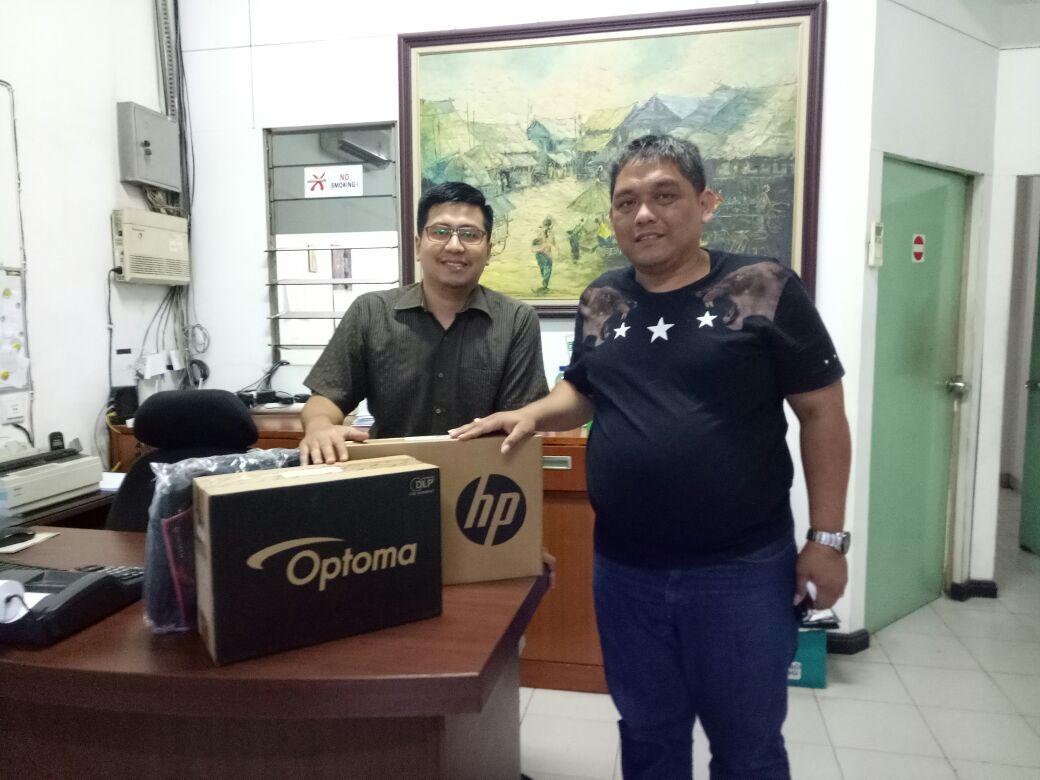 Terima satu Unit Proyektor dan Laptop dari Donatur, FORGEMSI akan Sumbangkan ke SD Sihusapi